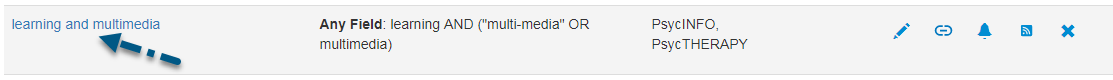 """Screenshot des Bildschirms """"Gespeicherte Suchen"""" in PsycNET mit einem Pfeil zum Link des Titels der Suche"""
